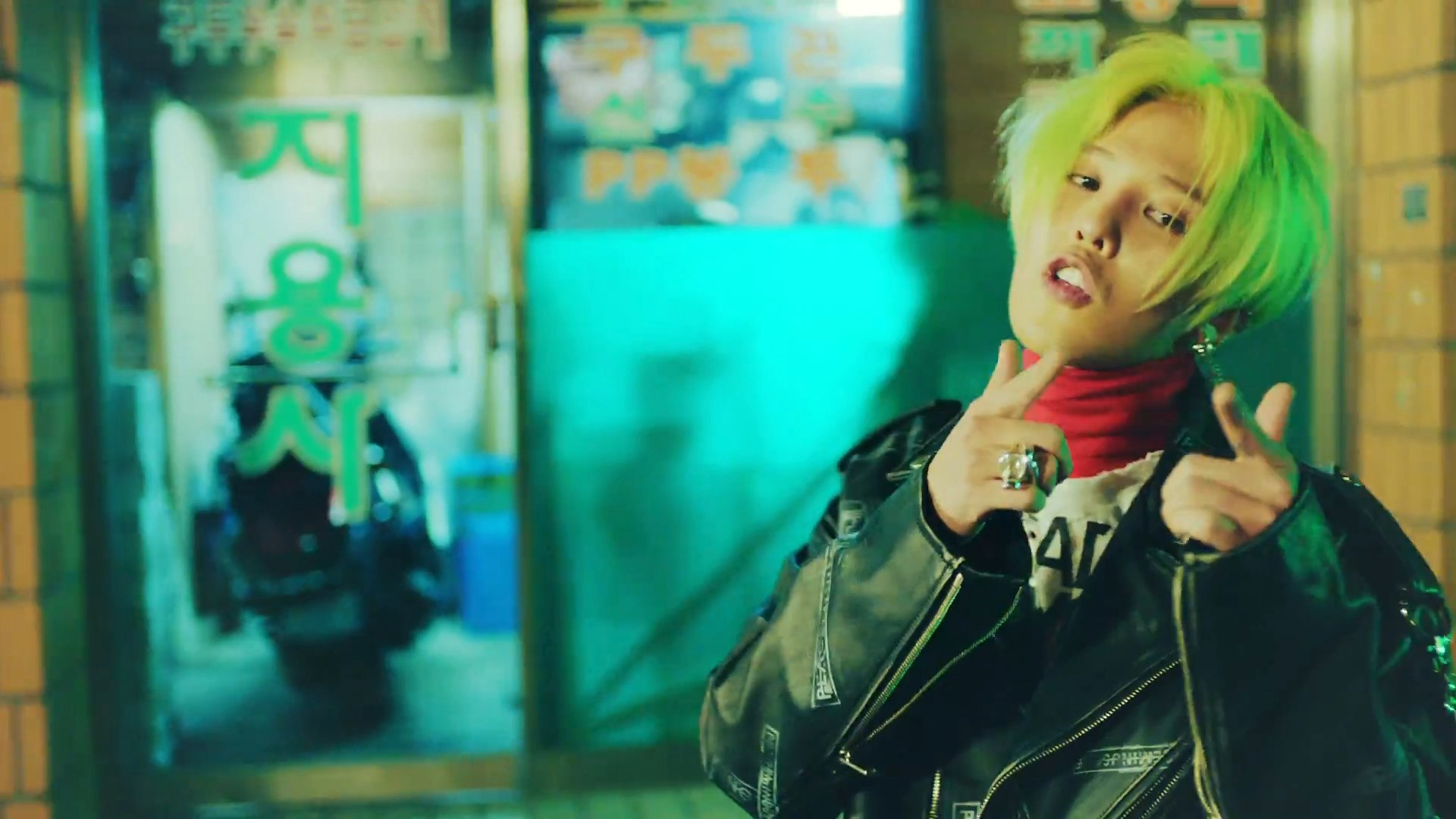IMG Song Mino Has Green Hair Currently