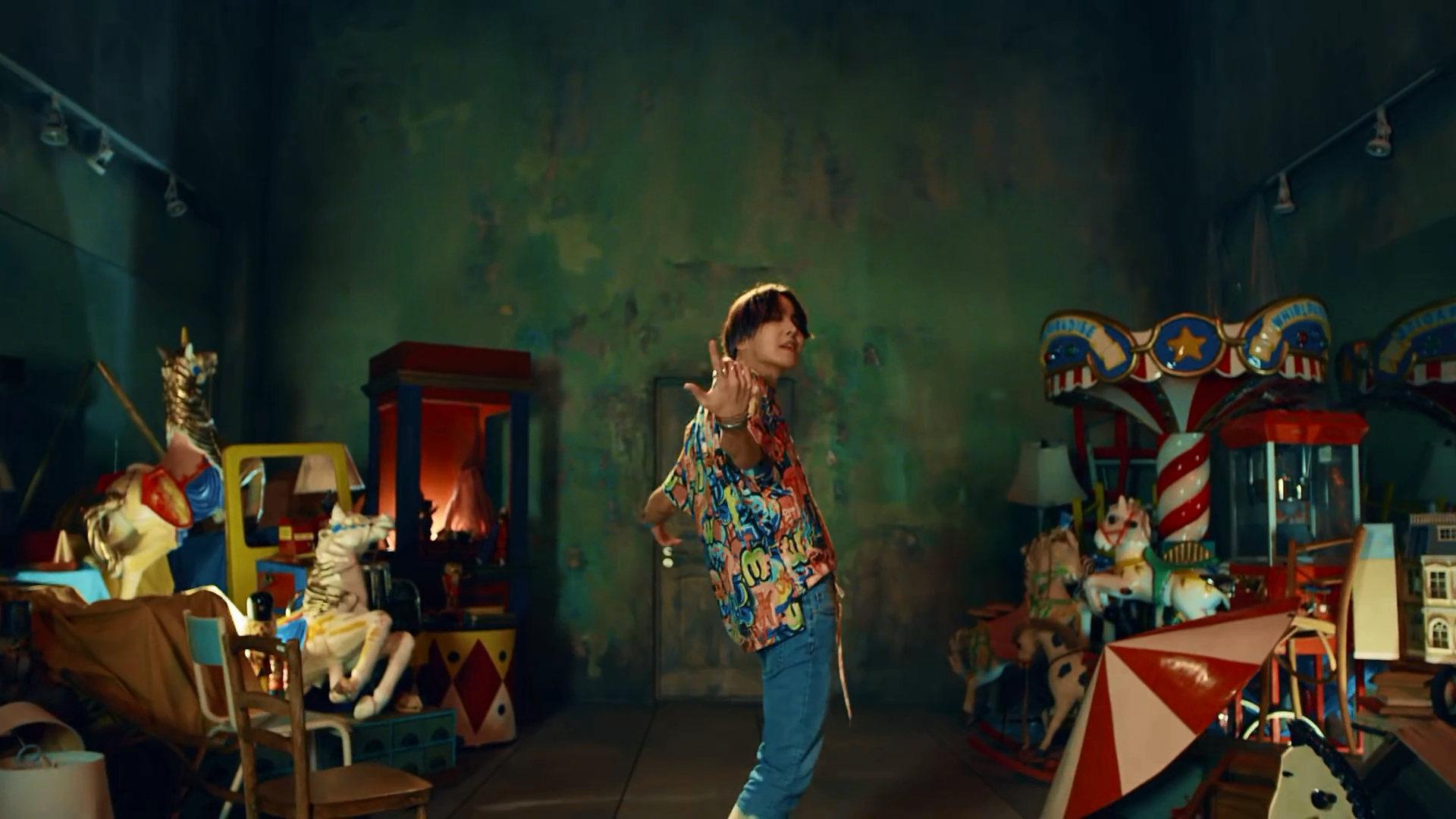 Bts Fake Love Whos Who K Pop Database Dbkpopcom