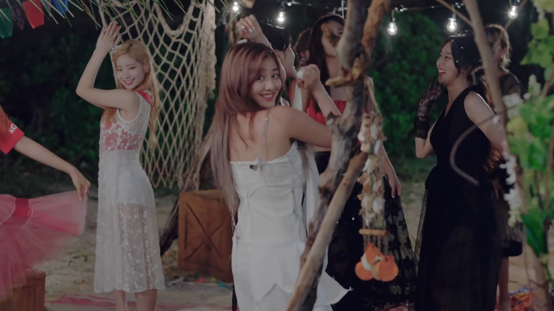 Twice Dance The Night Away Who S Who K Pop Database Dbkpop Com