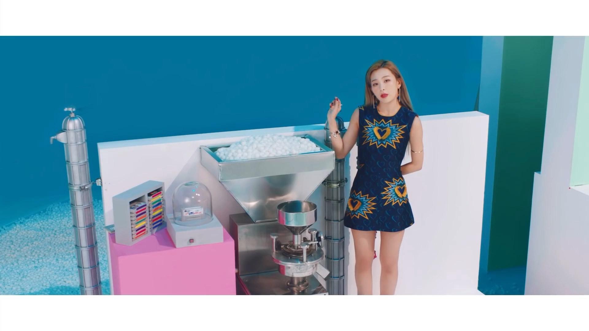 Red Velvet quotSAPPYquot Red Velvet in 2019 Velvet wallpaper Red