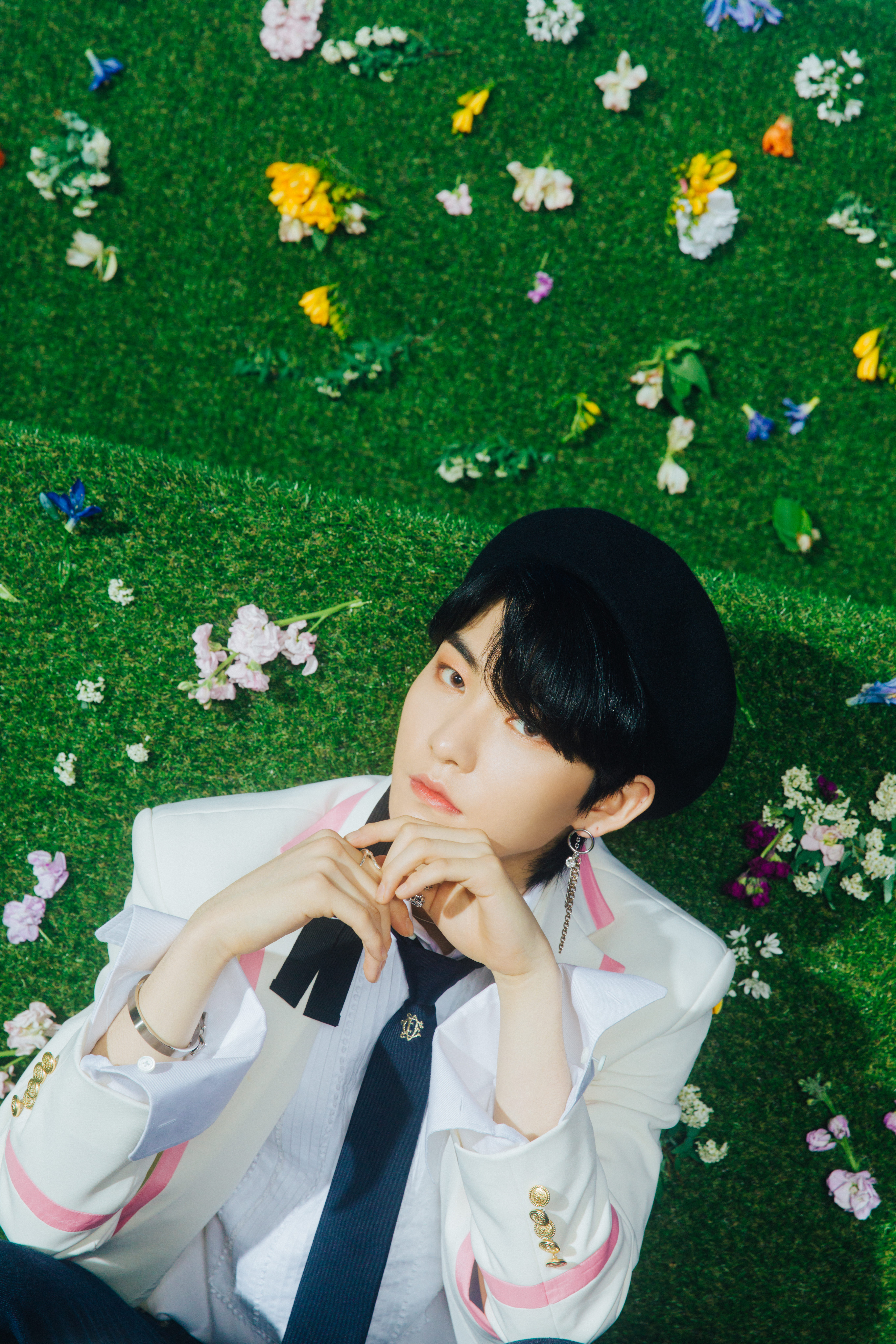 The Boyz Bloom Bloom Concept Photos Hd Hr K Pop Database Dbkpop Com