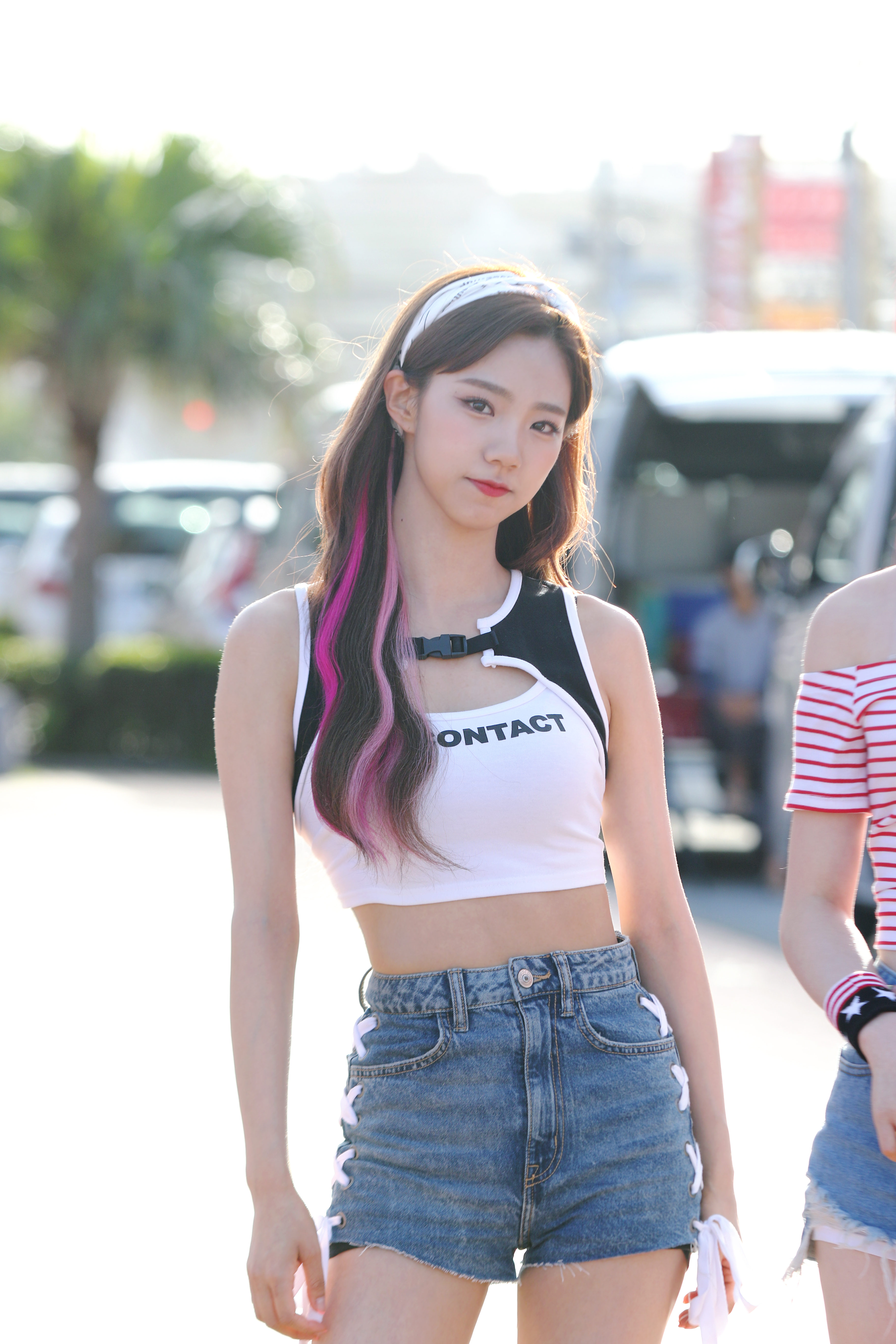 Female K-Pop Idols Born In 1999 - K-Pop Database / dbkpop com