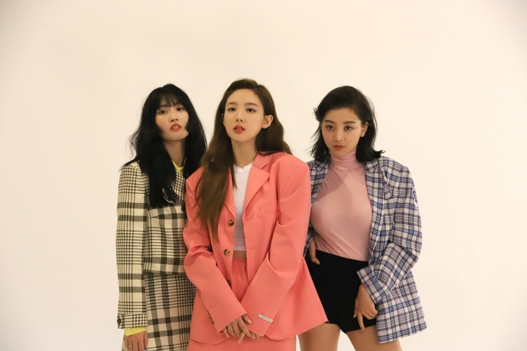 Twice Allure Momo Nayeon Jihyo 2019 HD