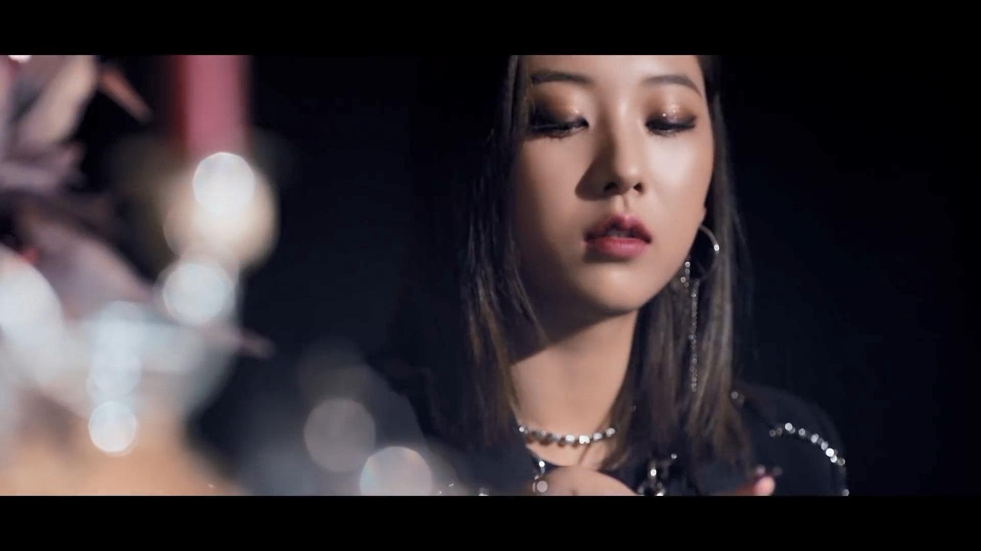 CLC Seungyeon Devil