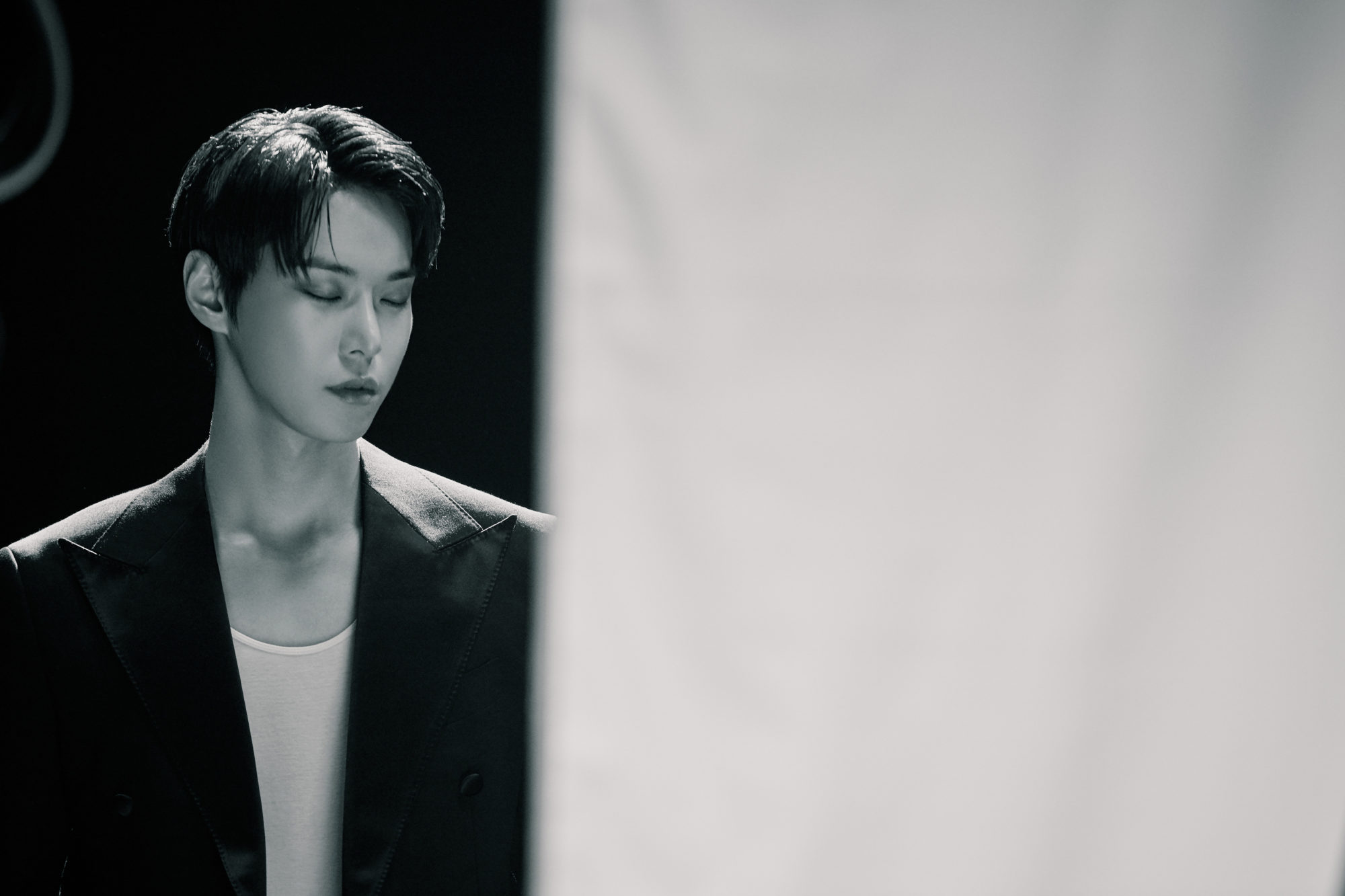 nct 127 White Night Doyoung