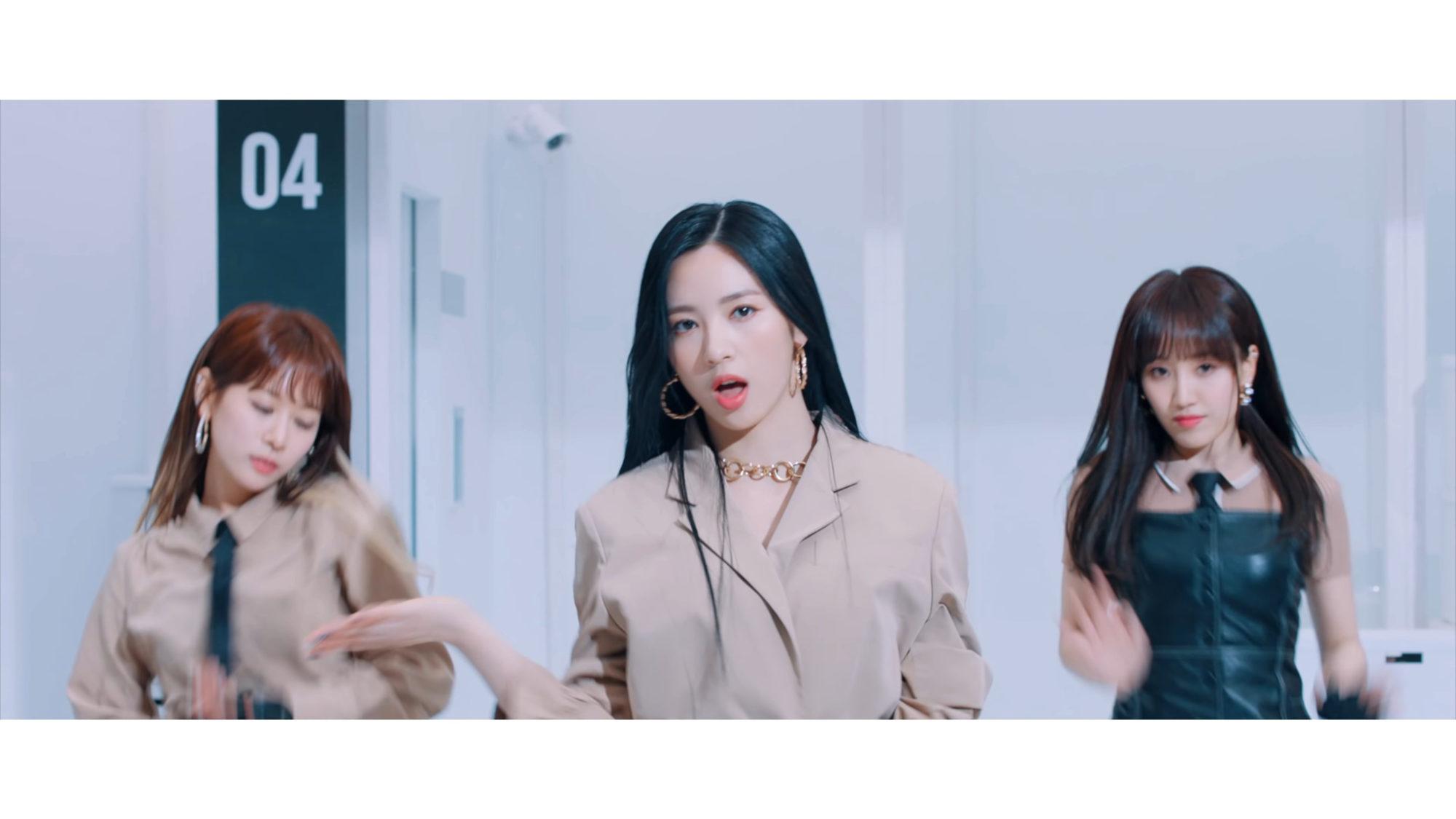 Cherry Bullet Jiwon