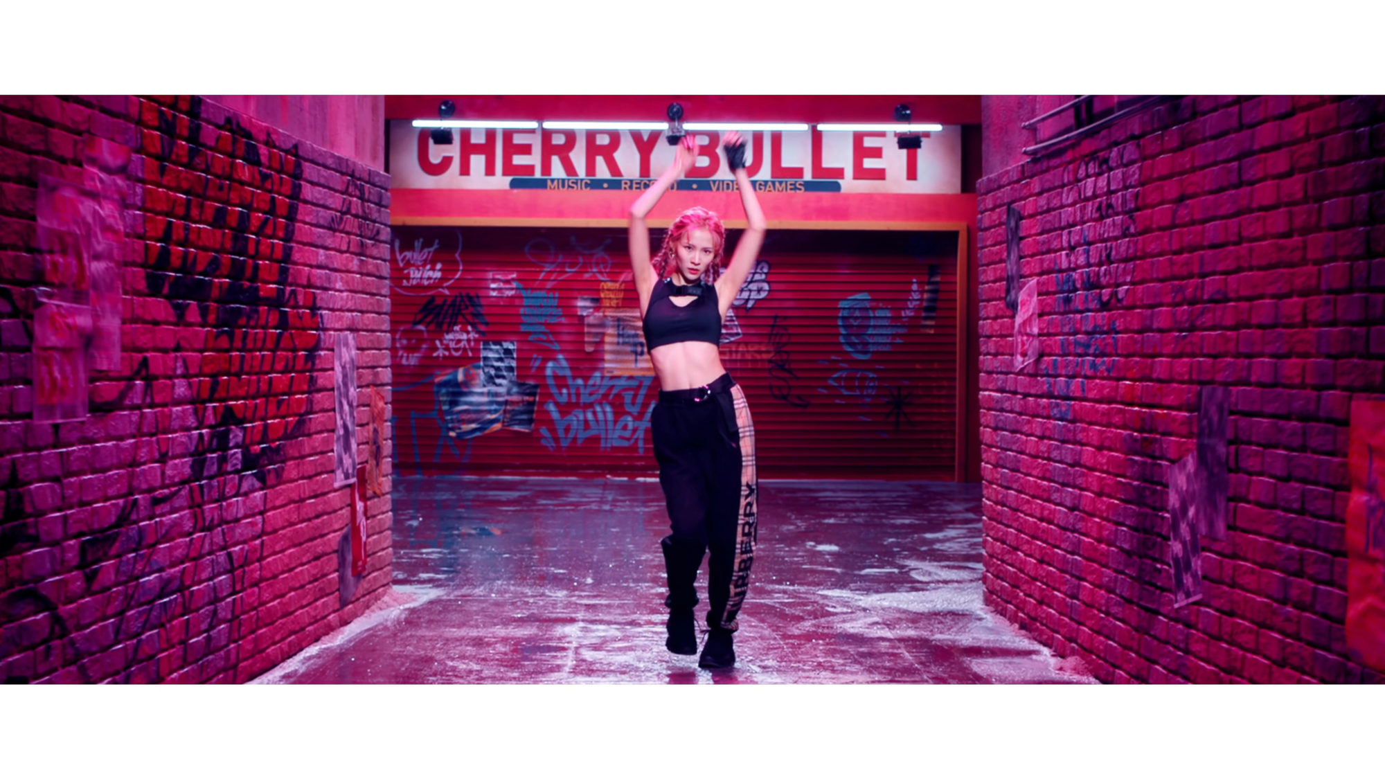 Cherry Bullet Remi