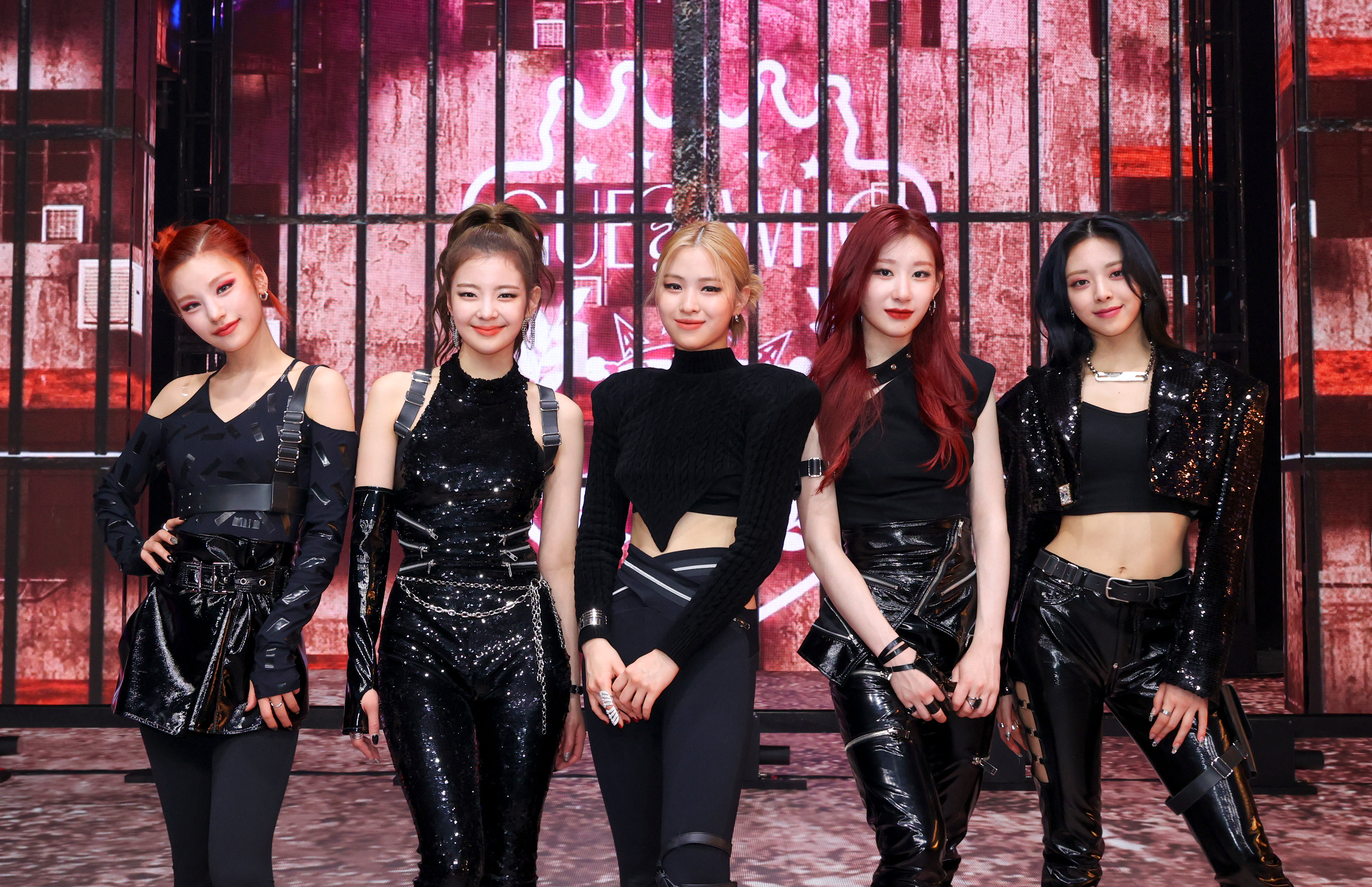 ITZY Guess Who Showcase Group