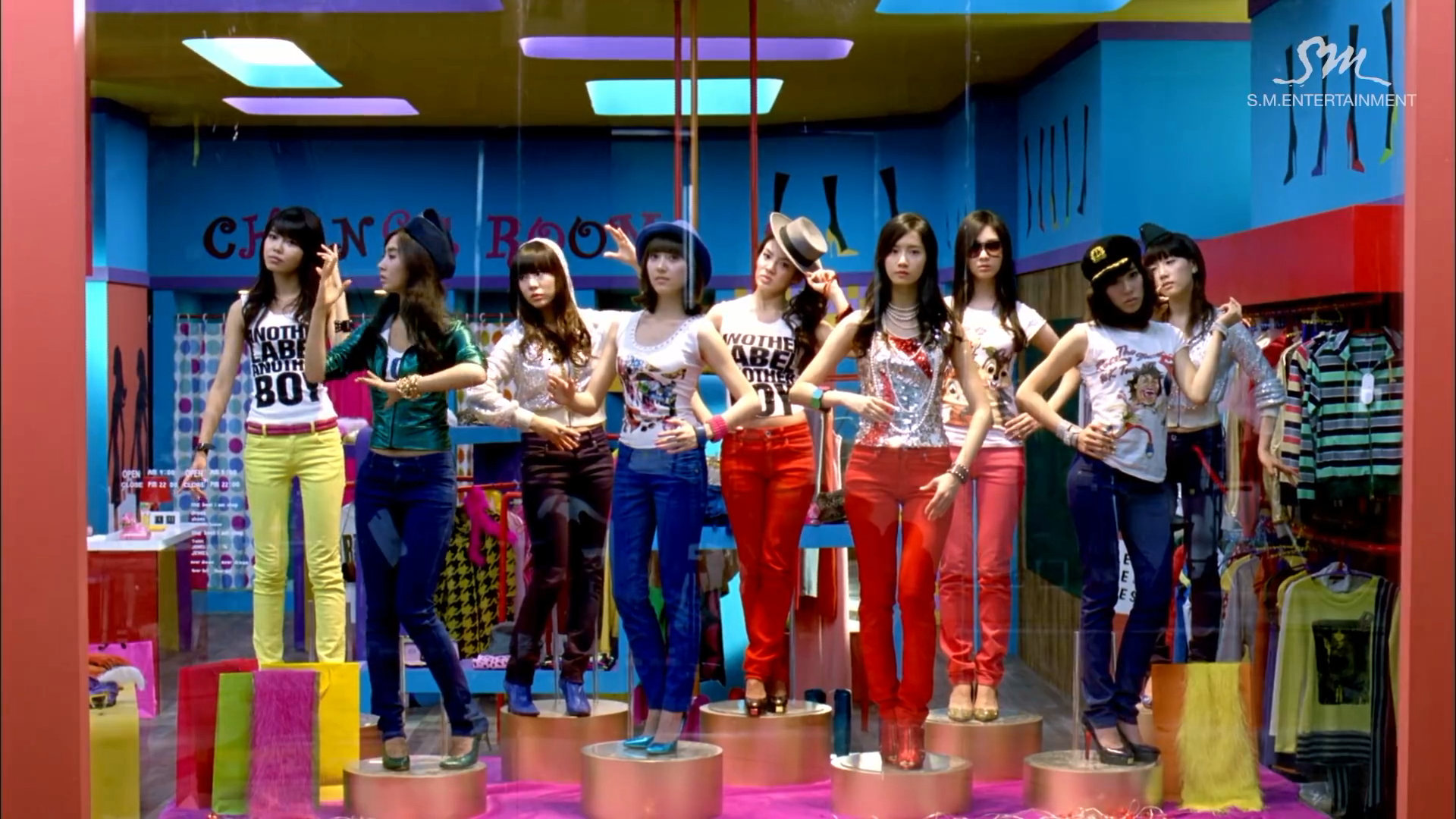Girls' Generation Gee who's who